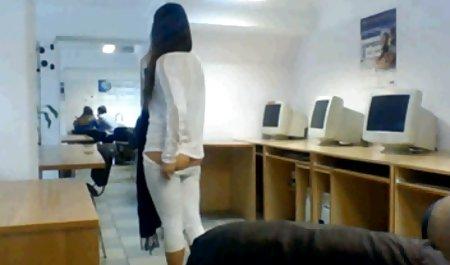 엉덩이 우크라이나어 포르노 영화 성숙한 여성 큰 가슴이 입을 벌리는 항문