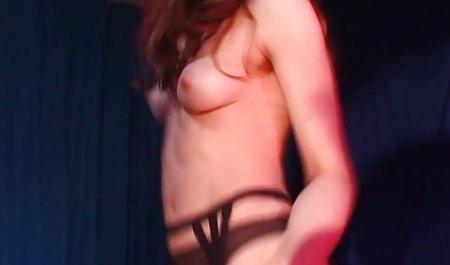 가슴이 여자와 포르노와 함께 성장하는 여자 남자