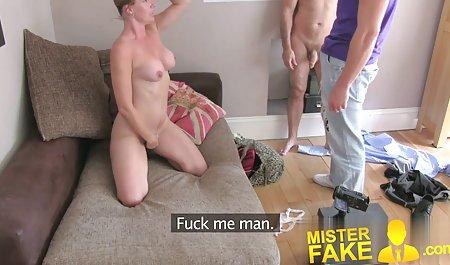 영어 마사지 섹시한중년여성 분노와 화장실에서 Karina 여성과 40 르